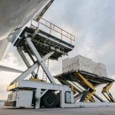 Airfreight cargo lift