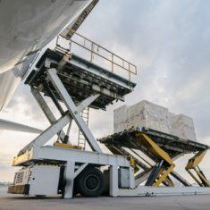 Airfreight cargo lift